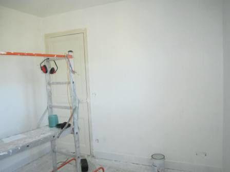 peinture d'impression Aquaprim pour les murs et le plafond