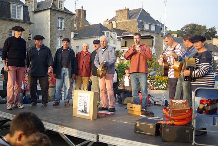 En pensant à Jean-Luc Robien, à l'initiative de la fondation du groupe, décédé peu de temps après...
