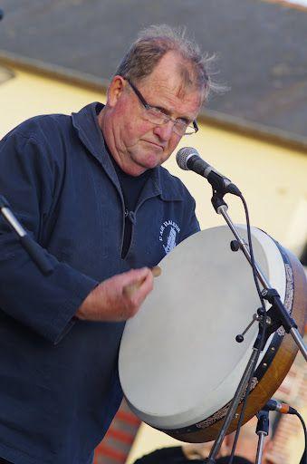 Fête de la musique 2012, sur la place de Montgermont. De nouveau un immense merci à Alain Vallée pour les photos !