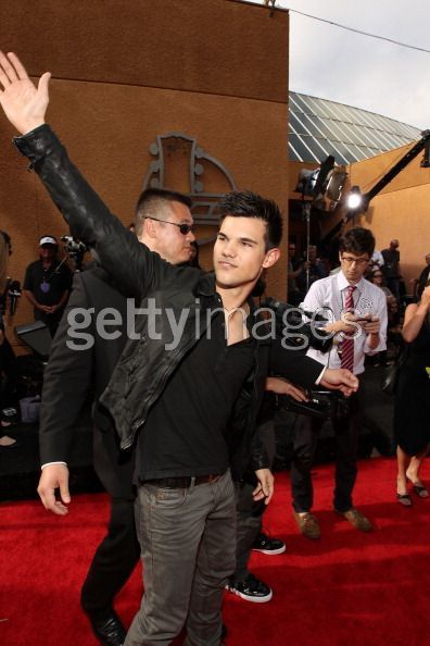 Taylor Lautner - Red Carpet 4