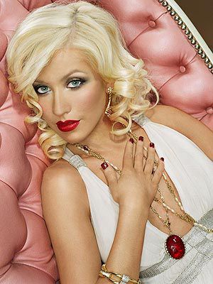 christina_aguilera-Pink-Couch.jpg