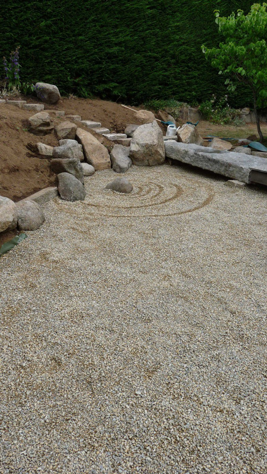 Jardin sec cr ation de jardins d 39 inspiration japonaise for Installer gravier jardin