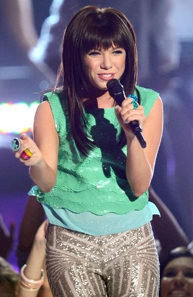 Carly-Rae-Jepsen-show-billboard-music-award-2012.JPG