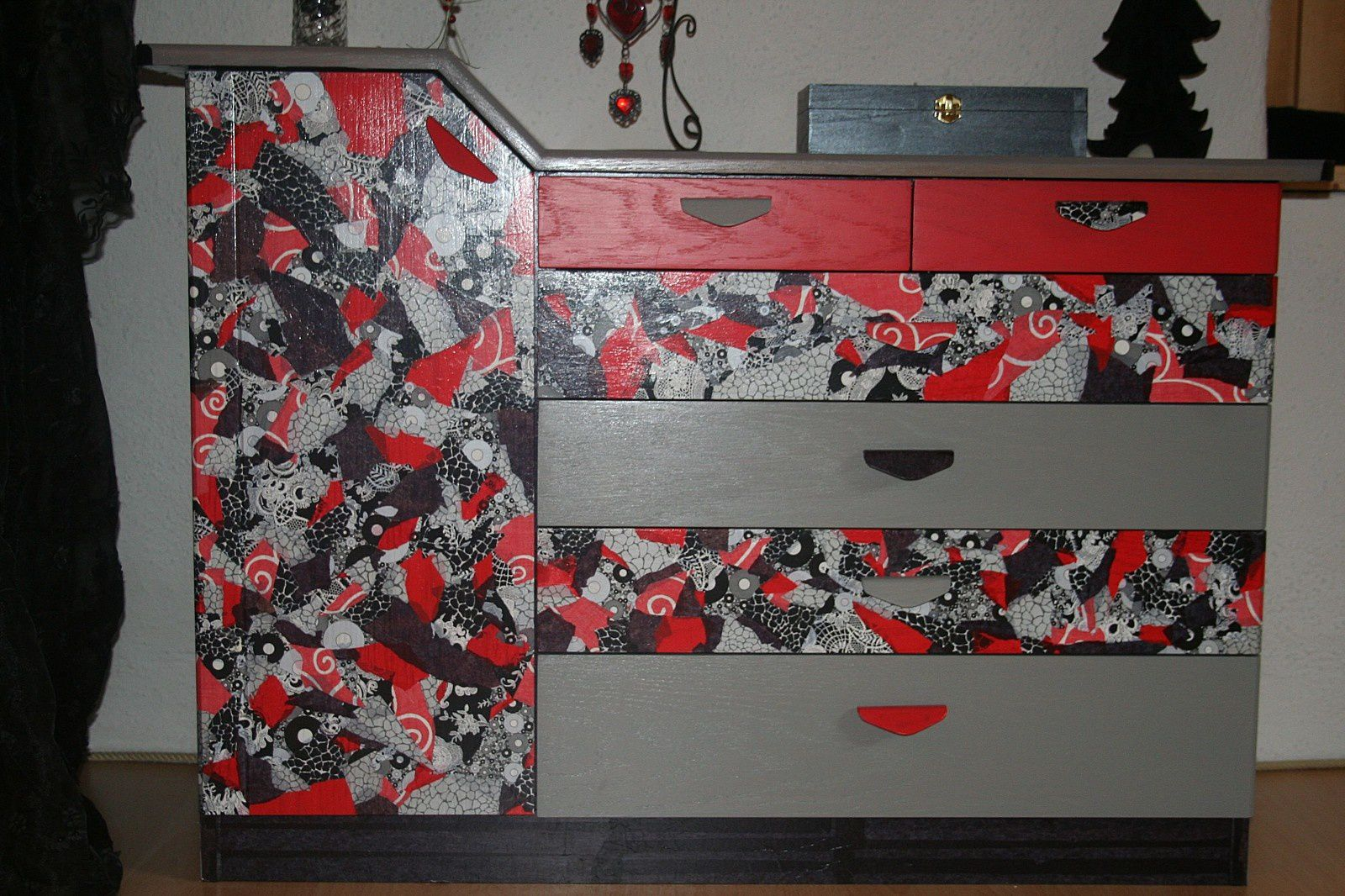 decopatch objet et relooking de meubles val vaurien. Black Bedroom Furniture Sets. Home Design Ideas