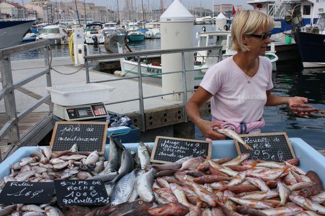 Les p cheurs du vieux port marseille images sans fronti re - Restaurant poisson marseille vieux port ...