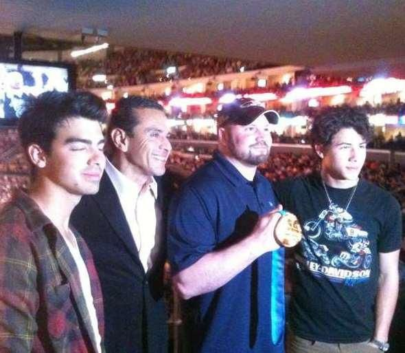 joe-jonas-lakers.jpg