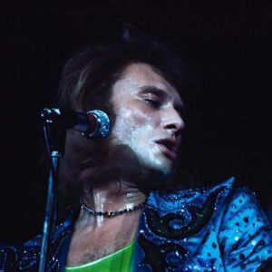 Costume-bleu-Johnny-Hallyday-Palais-des-Sports-71.jpg
