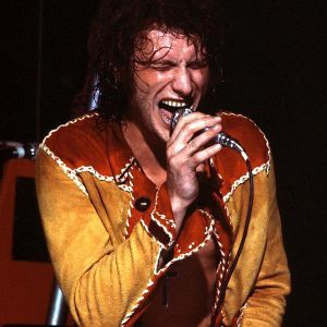 Costume-rouge-et-jaune-Johnny-Circus-1972.jpg