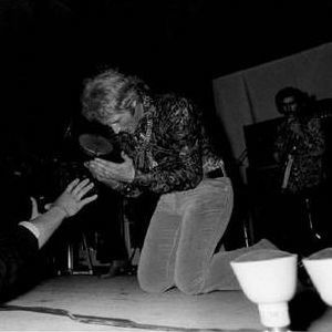 Johnny-Hallyday-Tournee-68--n-1--copie-1.jpg