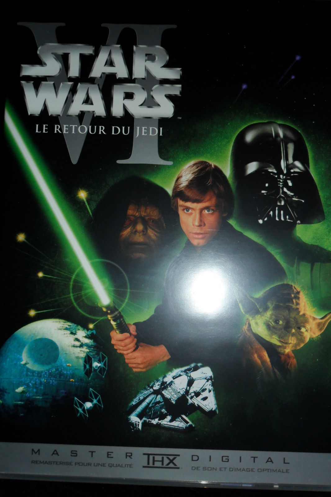 http://idata.over-blog.com/3/18/35/93/jano/film-star-wars/SAM_0006.JPG