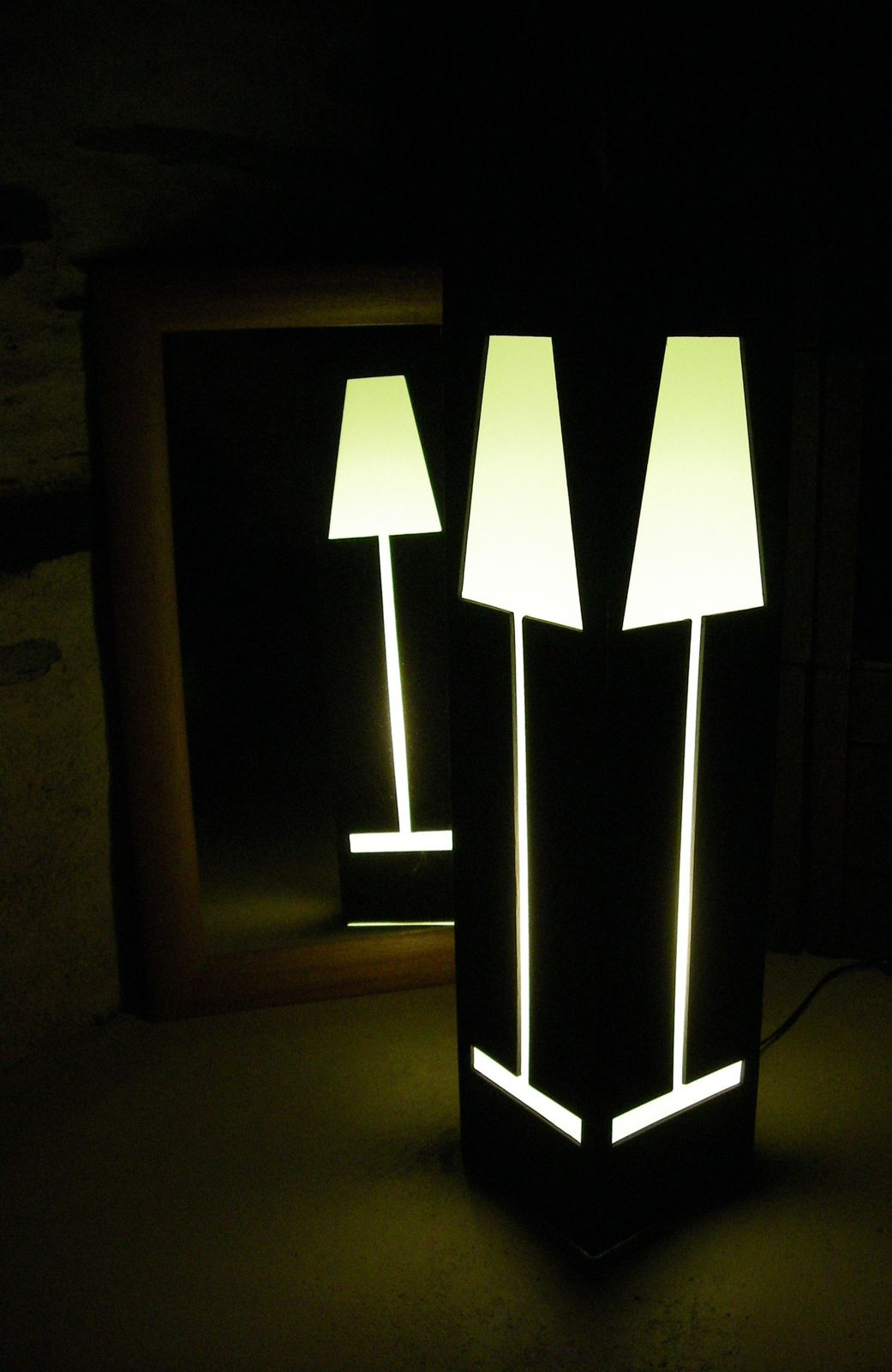 luminaires carton meubles en carton angers. Black Bedroom Furniture Sets. Home Design Ideas