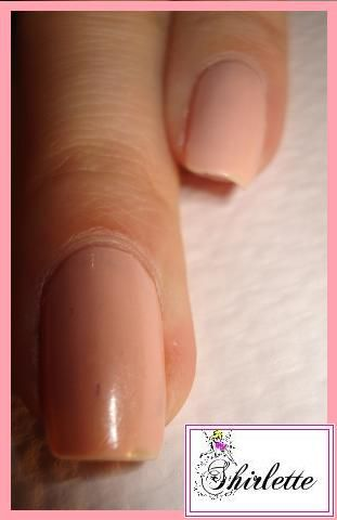 15-Vernis-bourgeois-effet-faux-ongles-1.jpg