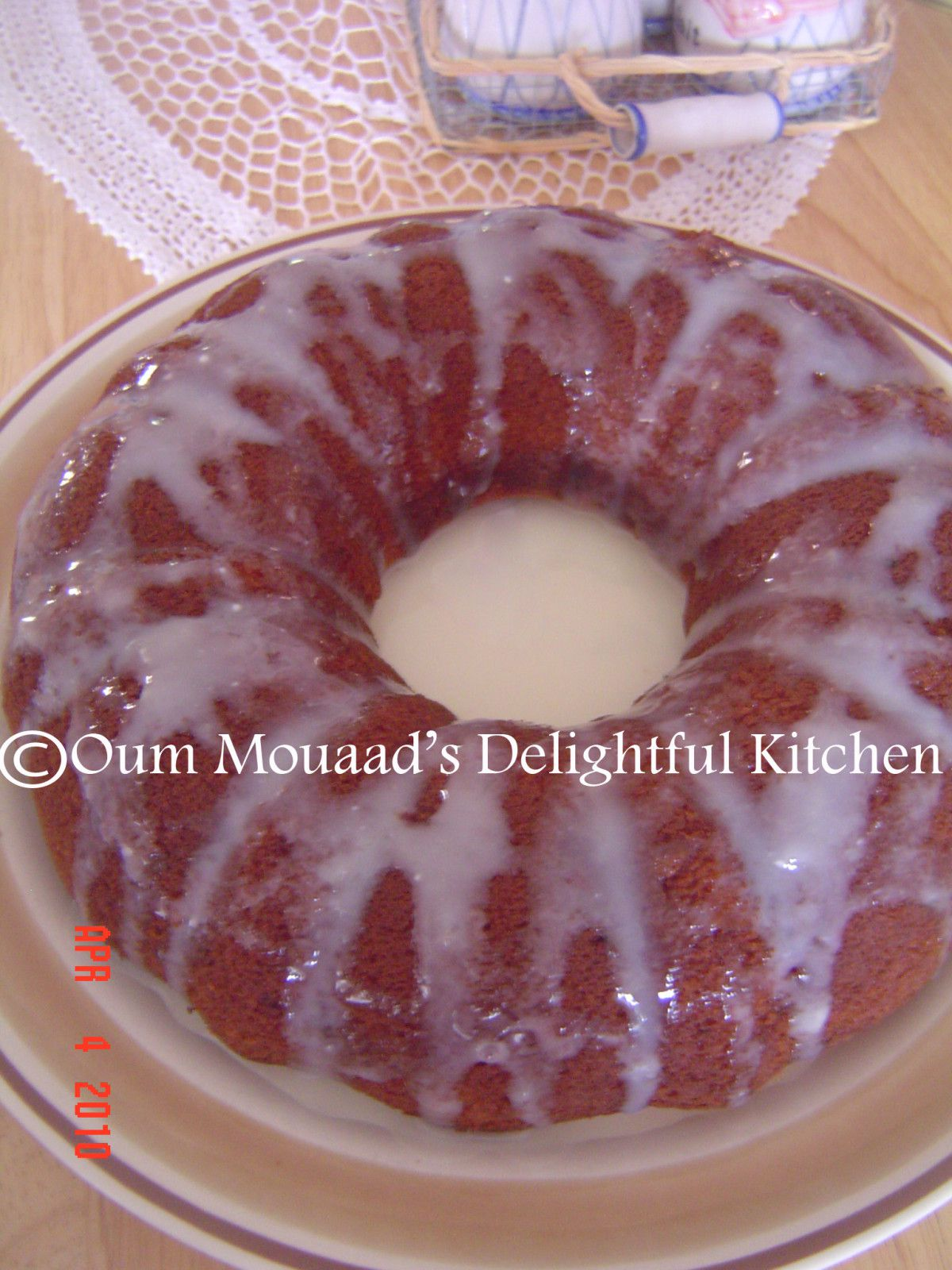 http://idata.over-blog.com/3/19/56/81/Lemon-Yogurt-Coffee-Cake/Lemon-Yogurt-Cake2.jpg