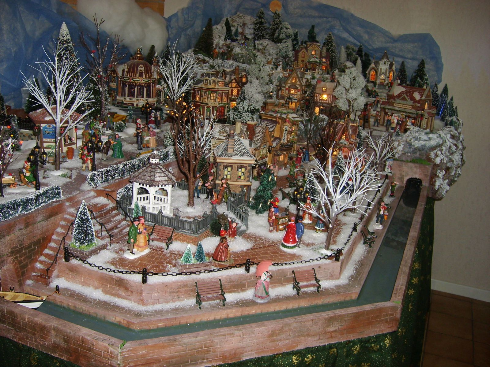 A voir absolument phototh que merveilleux villages de no l les villages miniatures de no l - Village de noel miniature ...