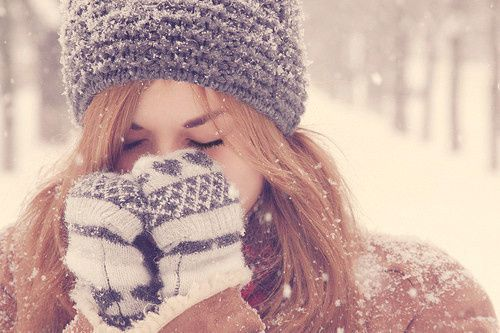 Fille hiver neige