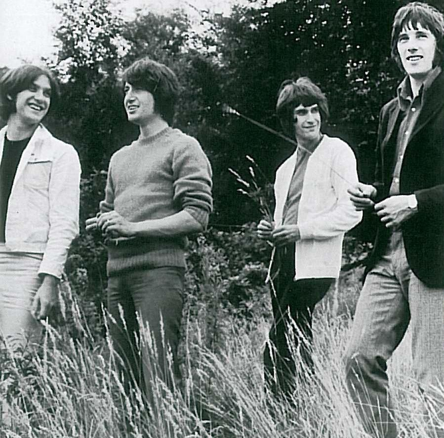 the-kinks-s-ance-photo-village-green-2.j