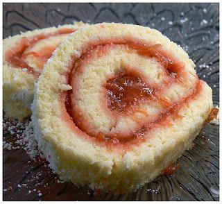 roule-fraise-rhubarbe.JPG
