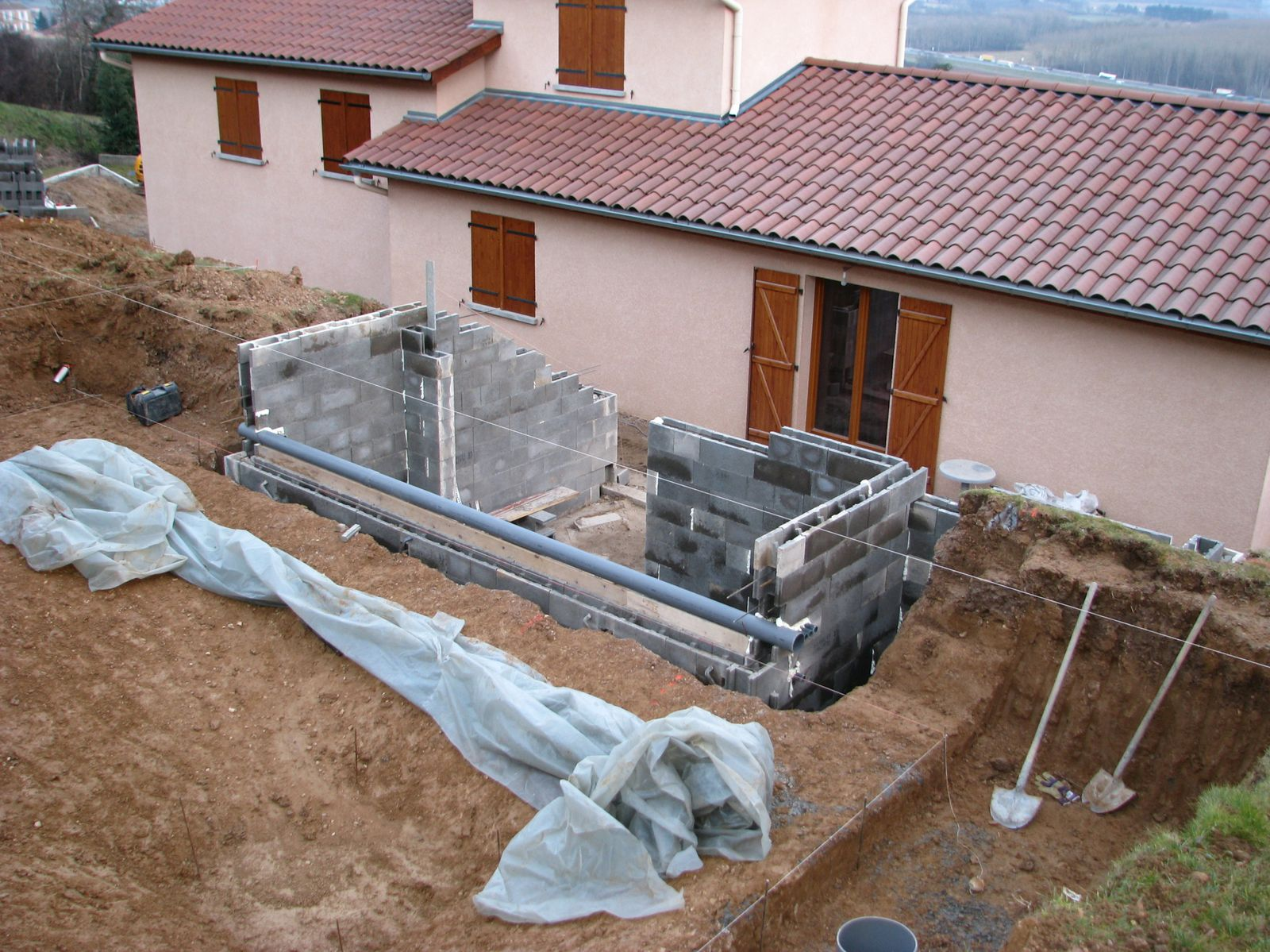 Construire piscine beton construction de piscines en b for Construction piscine beton