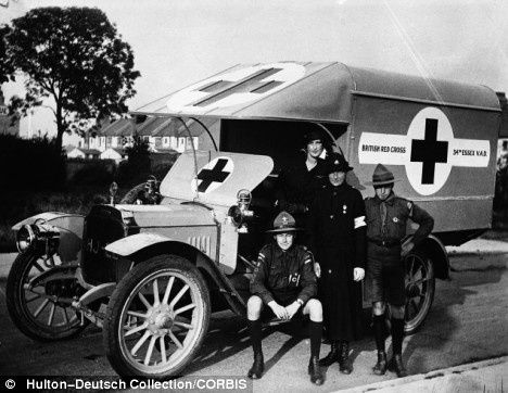 Red-Cross-workers--pictured-during-the-war-copy-1.jpg