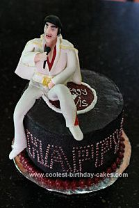 coolest-elvis-birthday-cake-5-21342460.jpg