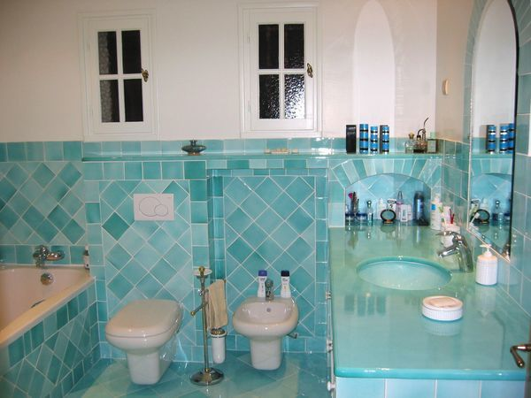 Beautiful salle de bain turquoise chocolat gallery for Salle bain turquoise