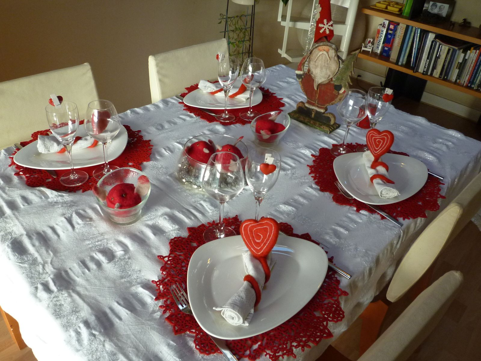 D corations pour tables de noel recettes astuces et d co for Decoration de table de noel