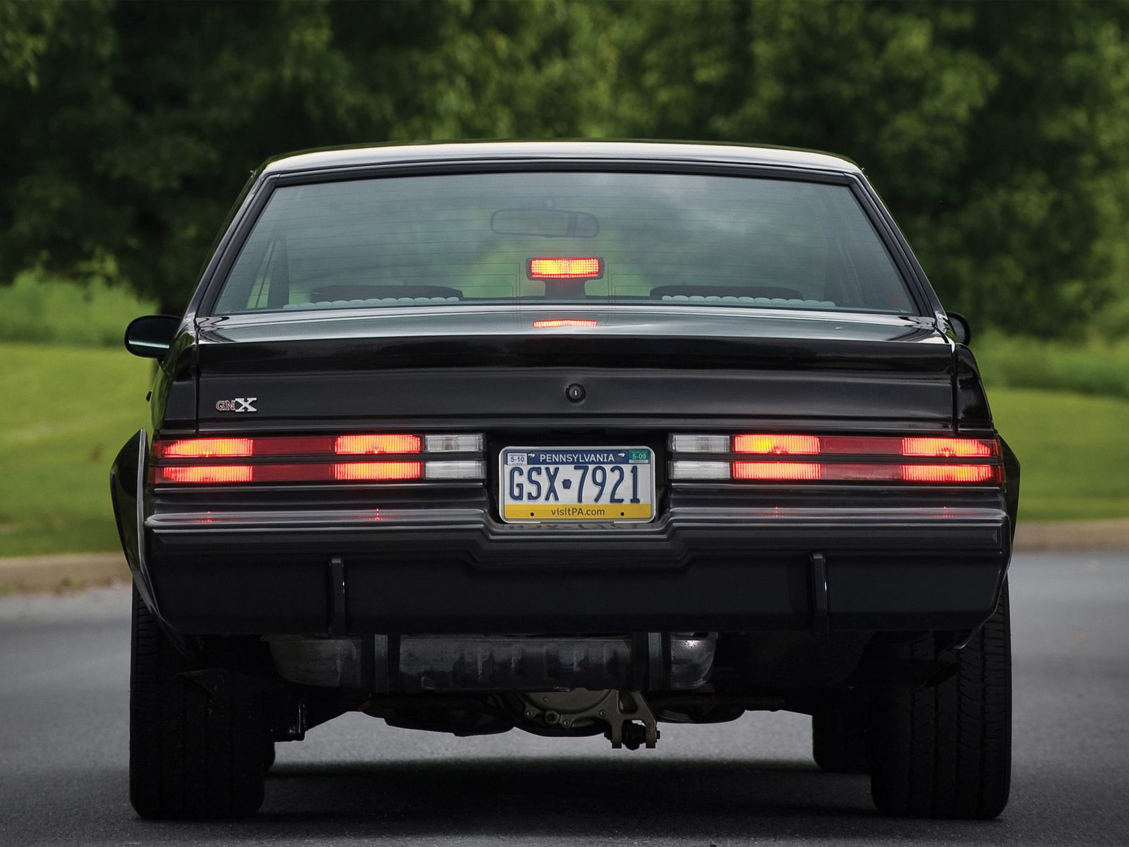 1987 Buick Regal Grand National GNX - Dark-Cars Wallpapers