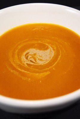 Crema-de-zanahoria-especiada-con-salsa-de-tahin--3-.JPG