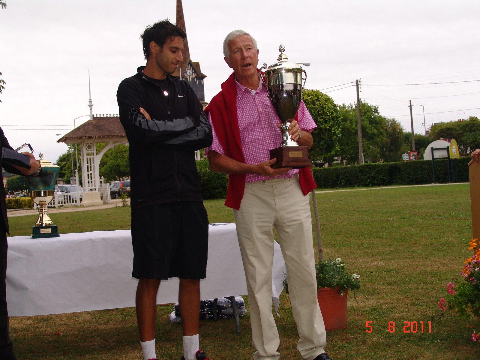 Vendredi 5 Aout vainqueurs : PETTIGROSSO Mariano - 30 VEDY Aurélie N° 28