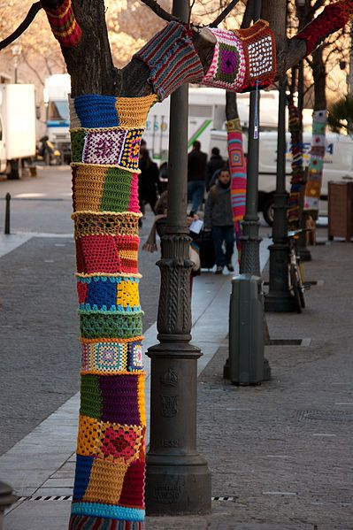 yarnbombing collection in natures paul keirn (3)