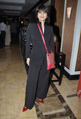 B-wood-style-at-Neeta-Lulla-s-show--4.jpg