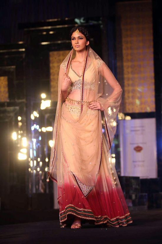 Rocky S Aamby Valley India Bridal Week 2011- Fash-copie-5