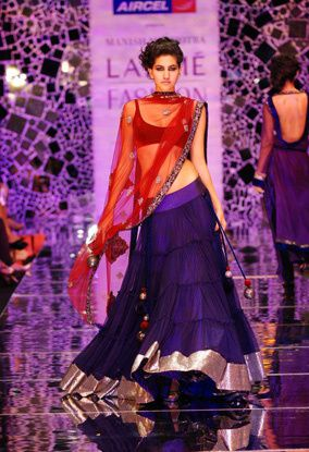 Manish-Malhotra-LFW-2010-fashio-blog-india-12.jpg
