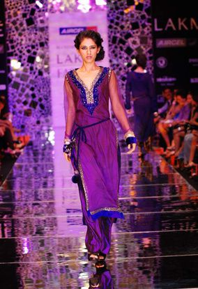 Manish-Malhotra-LFW-2010-fashio-blog-india-13.jpg