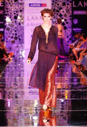 Manish Malhotra LFW 2010 fashio blog india 15