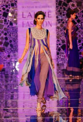 Manish-Malhotra-LFW-2010-fashio-blog-india-2.jpg