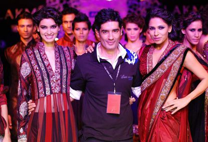 Manish-Malhotra-LFW-2010-fashio-blog-india-37.jpg