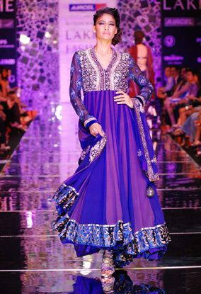 Manish-Malhotra-LFW-2010-fashio-blog-india-4.jpg