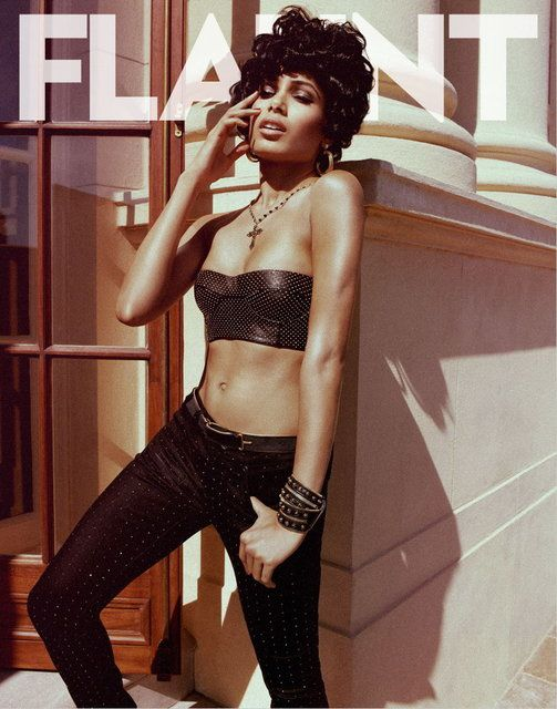 freida-pinto-flaunt-magazine-us-july-2012-fashion--copie-1.jpg