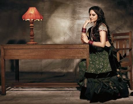 Sonakshi-Sinha-Filmfare-traditional-dress-1.jpg