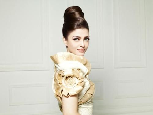 Aishwarya-ELLE-india---FAshion-india-1.jpg