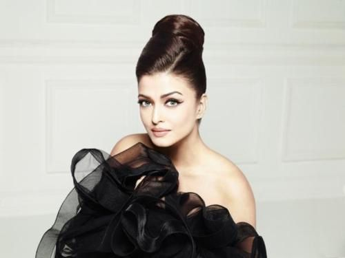Aishwarya-ELLE-india---FAshion-india-2.jpg