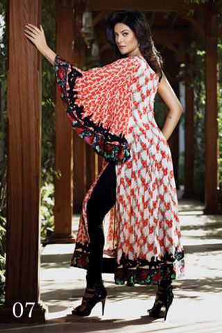 Sushmita-Sen---For-Crescent-Lawns-7.jpg