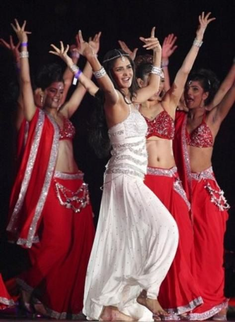 katrina-kaif-performance-ceremonie-cloture-ipl-1.jpeg