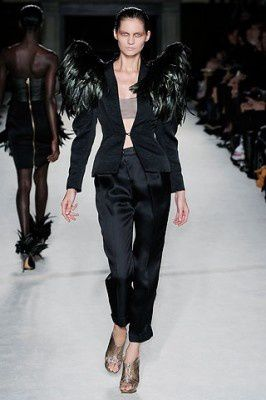roksanda-ilincic-spring-2010-feather-shoulder-jacket.jpg