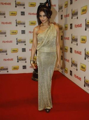 Bipasha-Basu_Filmfare-Awards-2012---Fashion-India-Blog.jpg