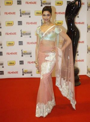 Deepika Padukone Filmfare Awards 2012 - Fashion-india Blog