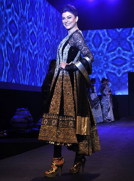 Panchvastra-Ritu-Kumar Collection 2012 - Blog Fash-copie-1