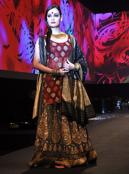 Panchvastra-Ritu-Kumar-Collection-2012---Blog-Fash-copie-2.jpg
