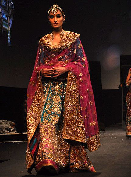 Panchvastra-Ritu-Kumar-Collection-2012---Blog-Fash-copie-4.jpg